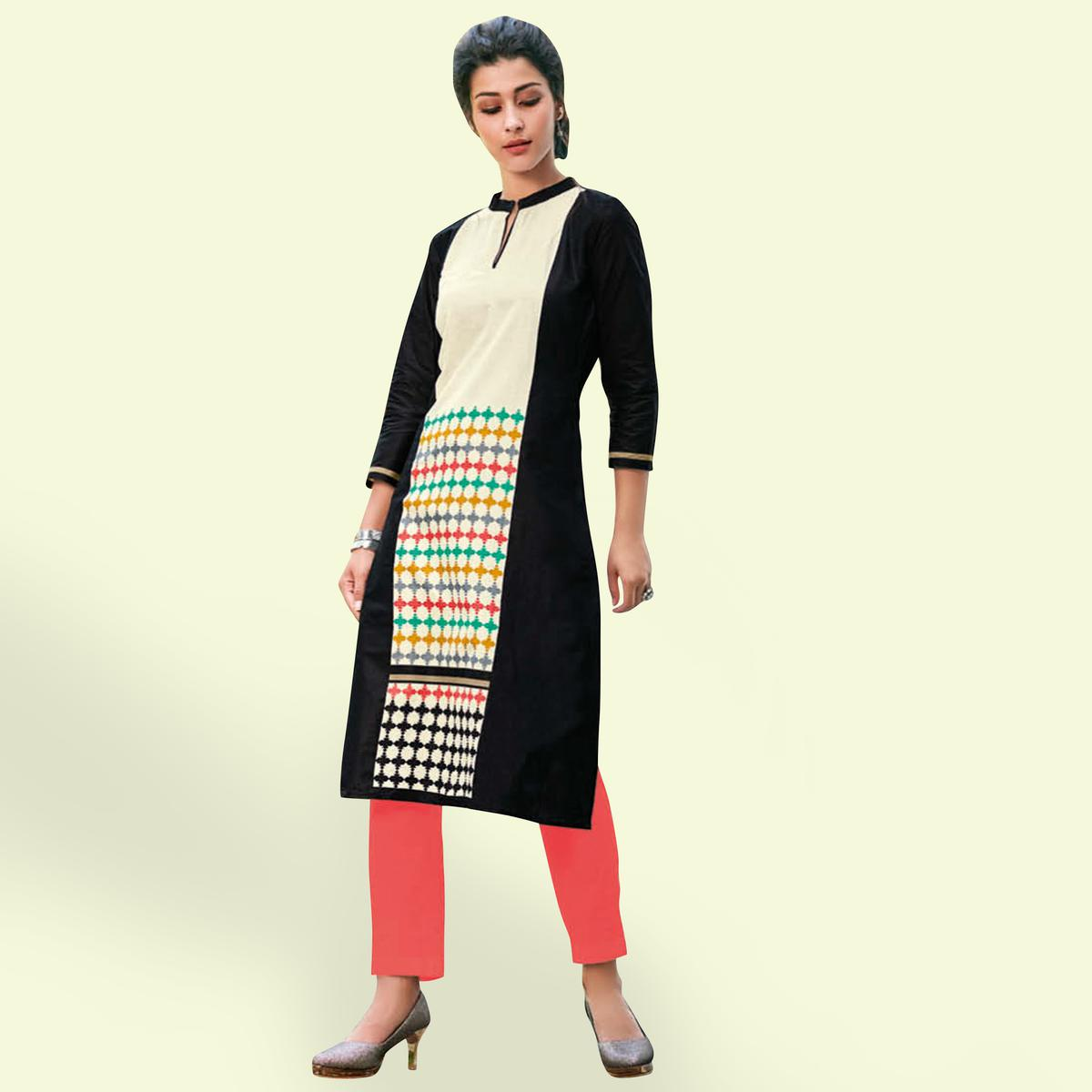 Staring Black Colored Casual Printed Jetpur Cotton Kurti
