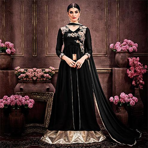 Black Embroidered & Stone Work Lehenga Kameez