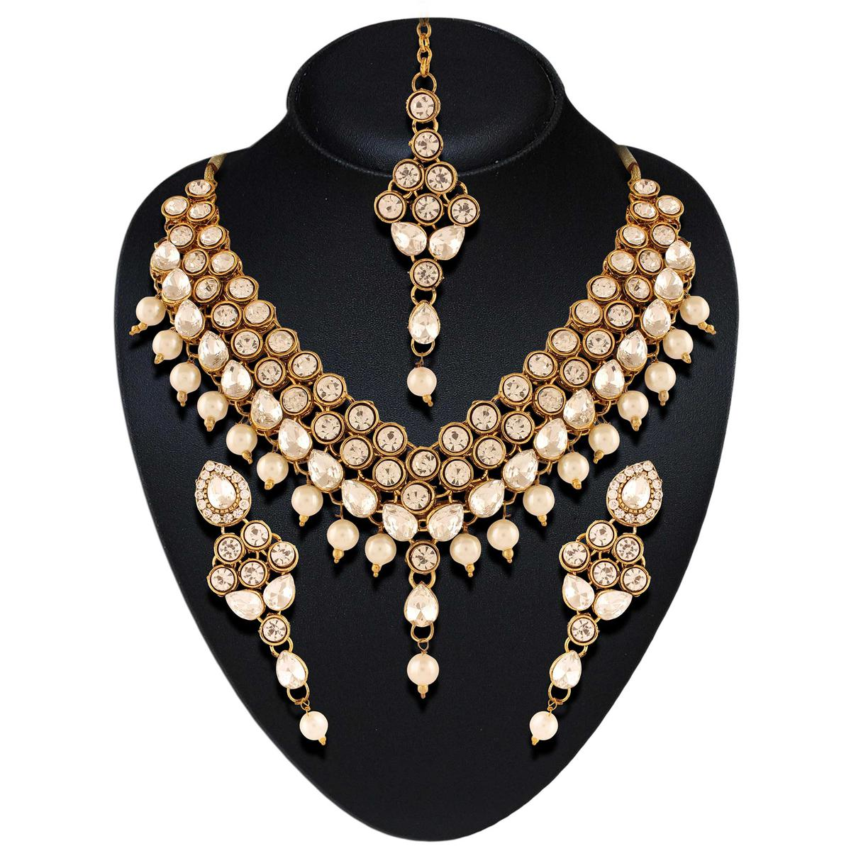 Endearing Necklace Set
