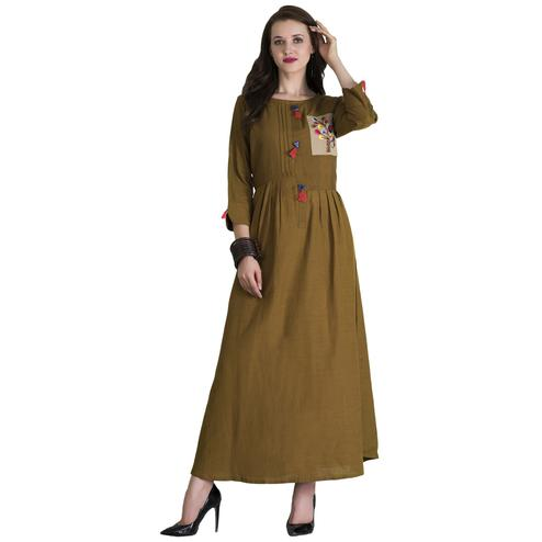 Adorning Olive Green Colored Casual Wear Printed Cotton Long Kurti