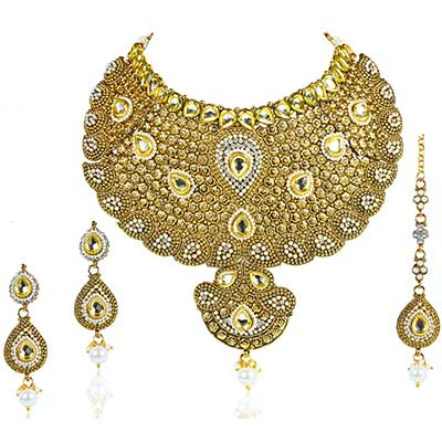 White Pearl Drop Bridal Necklace Set With Maang Tikka