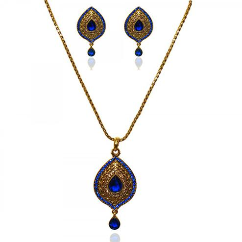 Ravishing Design Blue Chain Pendant