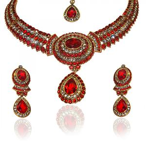 Marvelous Design Red Necklace Set With Maang Tikka