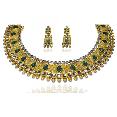 Fascinating Design Green Pearl Necklace Set