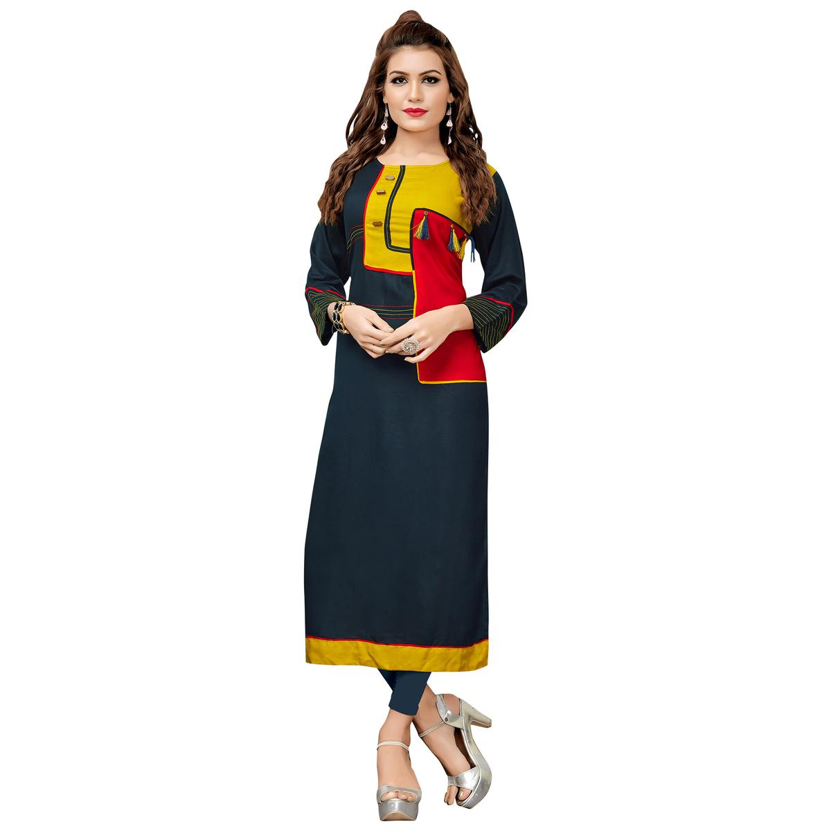 Eye-Catching Dark Grey Colored Casual Wear Rayon Cotton Long Kurti