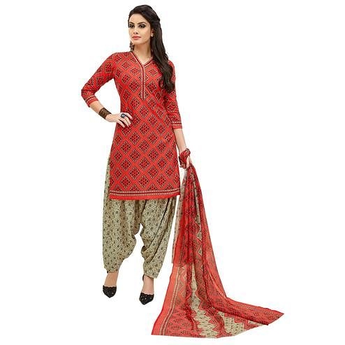 Stylish Red Colored Casual Printed Cotton Suit