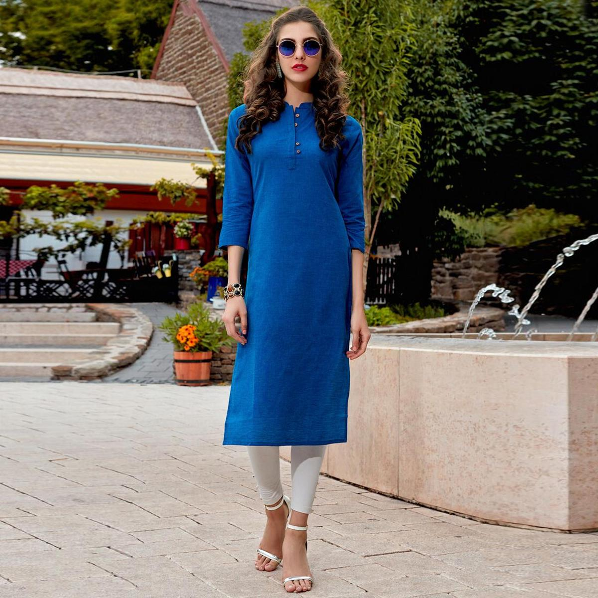 Blooming Blue Colored Casual Wear Cotton Kurti