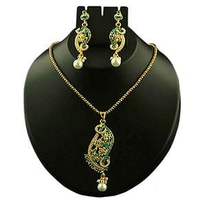Green Austrian Stone Pearl Drop Gold Finish Pendant Set