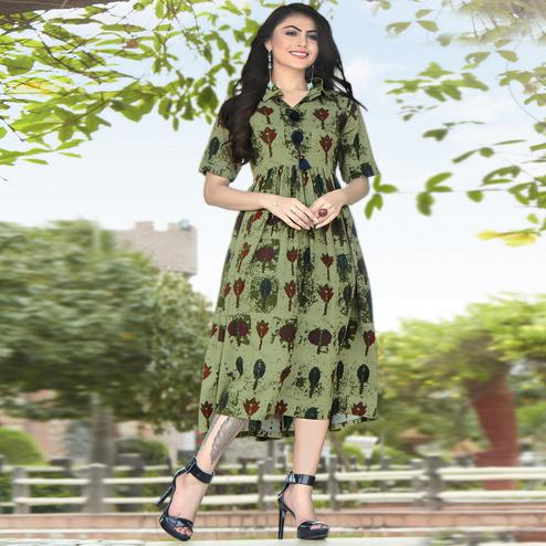 Demanding Green Colored Partywear Printed Rayon Kurti