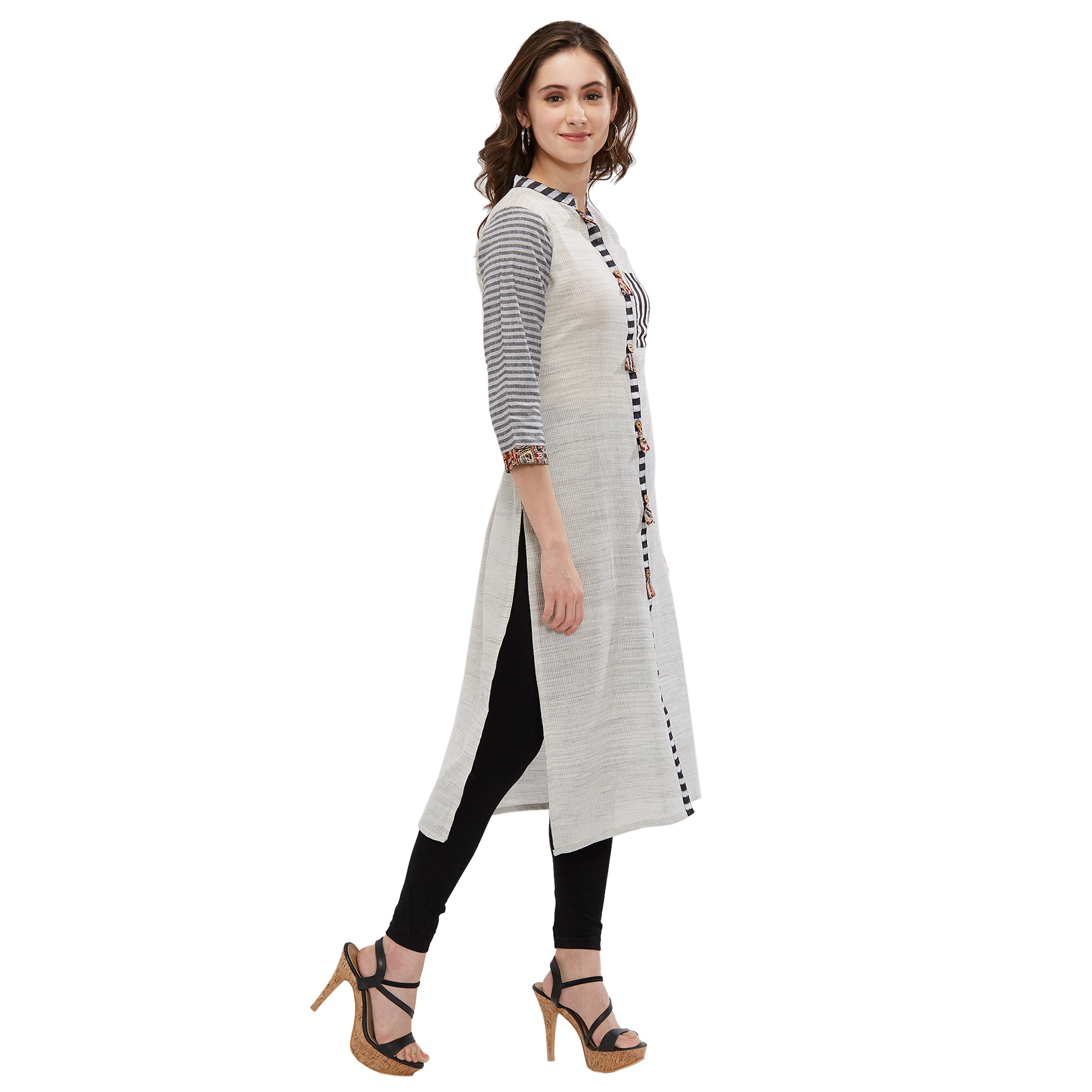 Lovely Off-White Colored Casual Printed Kurti