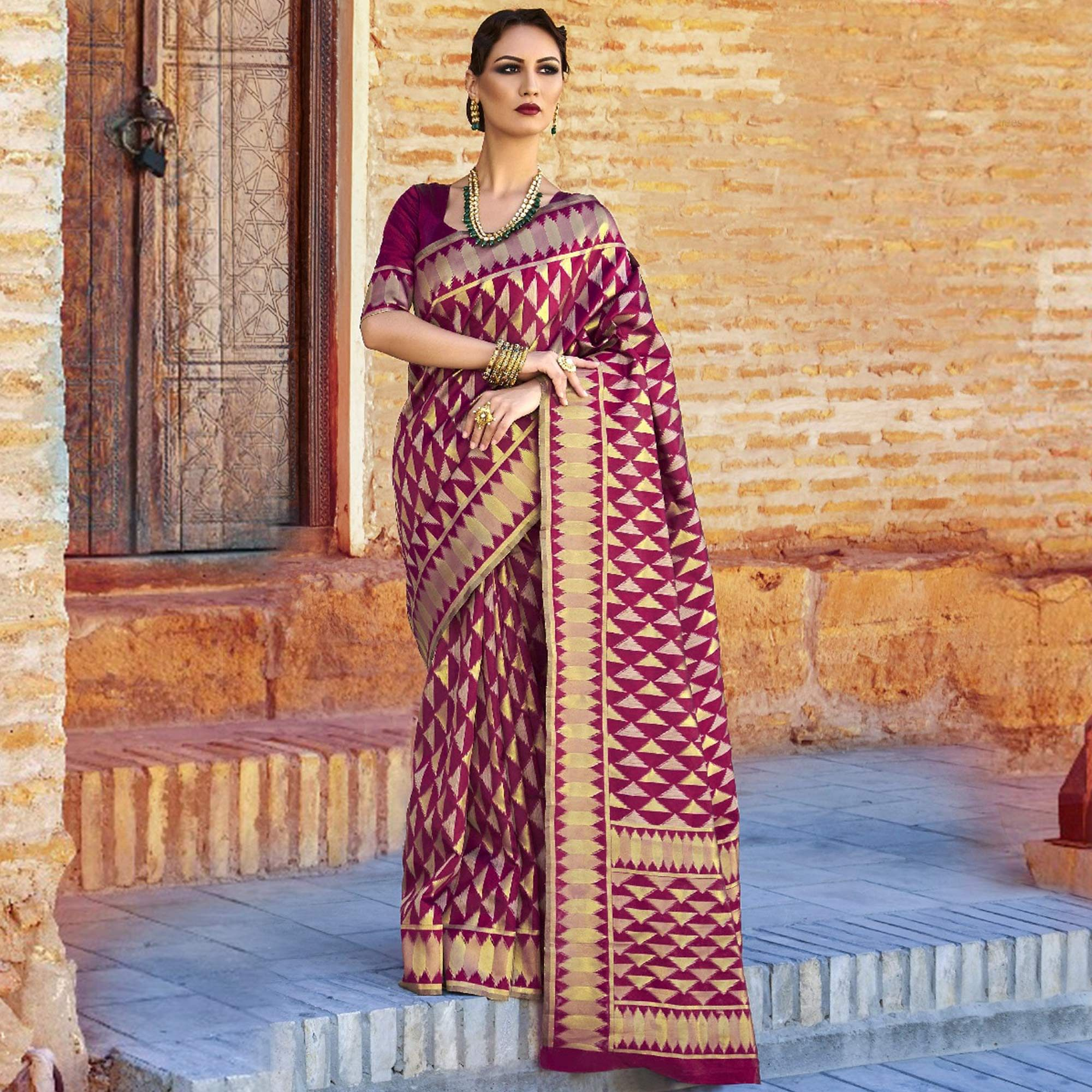 Exceptional Magenta Colored Festive Wear Woven Silk Saree