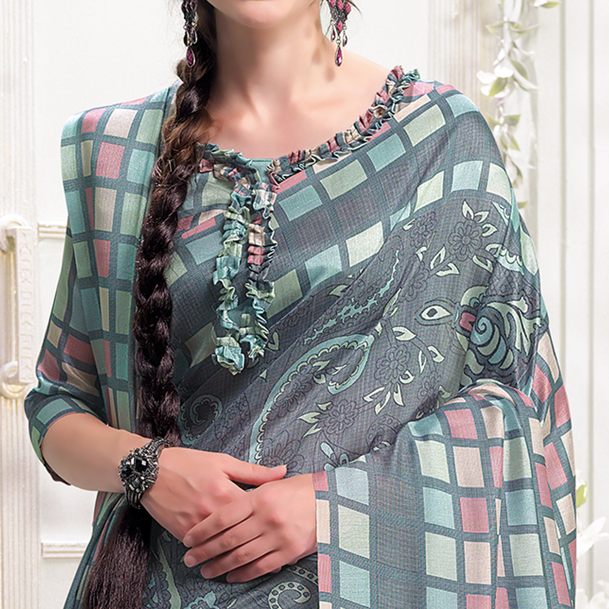 Entrancing Grey Colored Casual Printed Pashmina Silk Saree With Stole