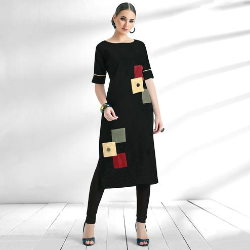 Flaunt Black Colored Casual Wear Cotton Kurti
