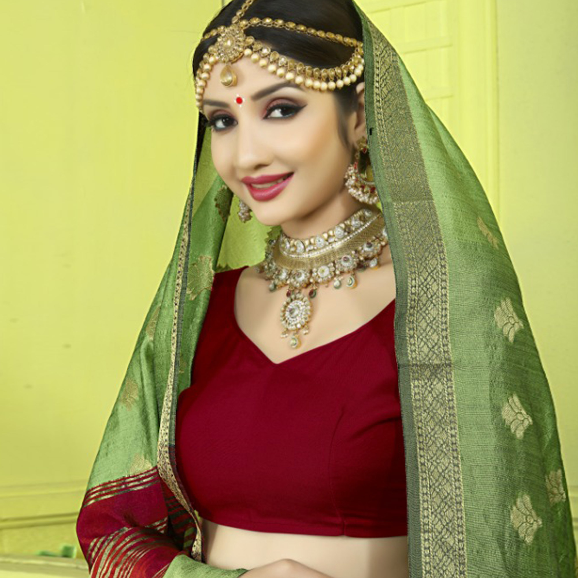 Appealing Green Colored Festive Wear Woven Banarasi Silk Saree