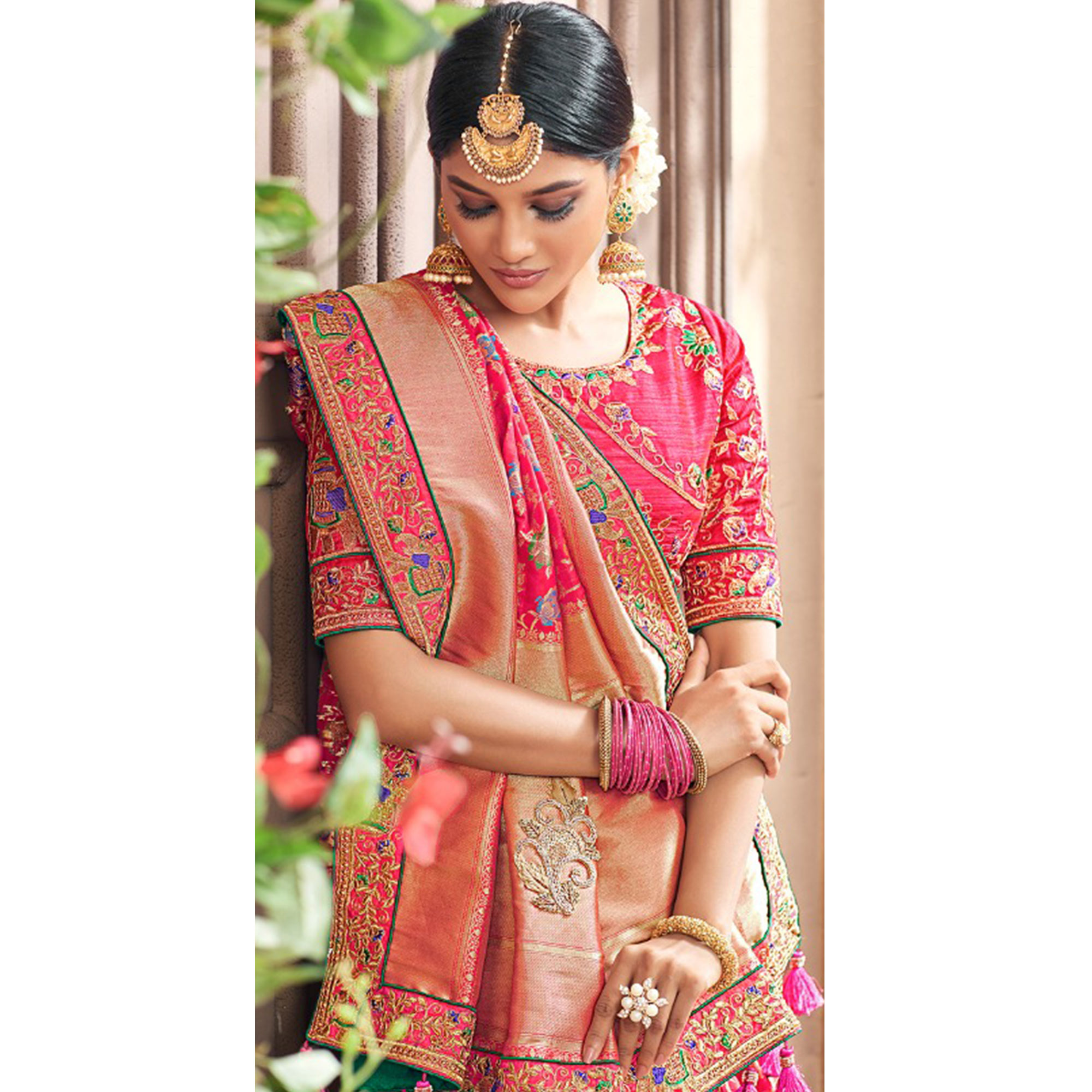 Demanding Pink Colored Partywear Woven Pure Banarasi Silk Saree