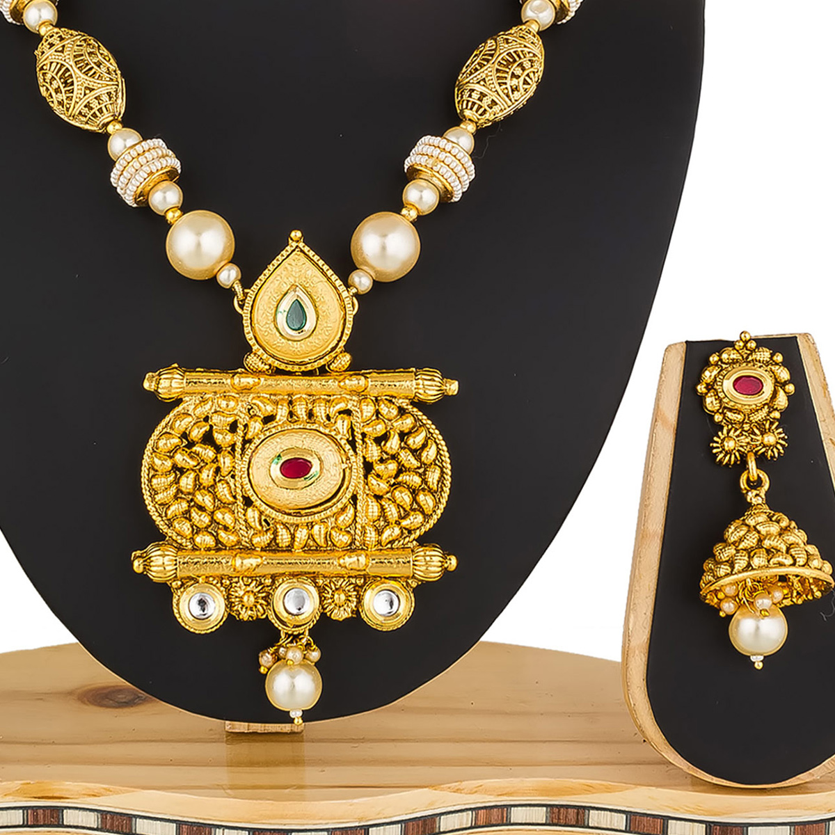 Graceful Golden Colored Mix Metal & Stone Work Necklace Set