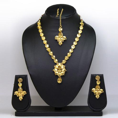 Gold Colored Stone And Gold Finish Necklace Set