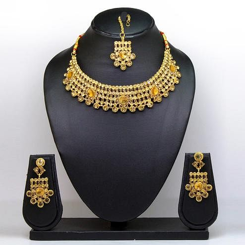 Gold Colored Diamond And Imported Stone Necklace Set