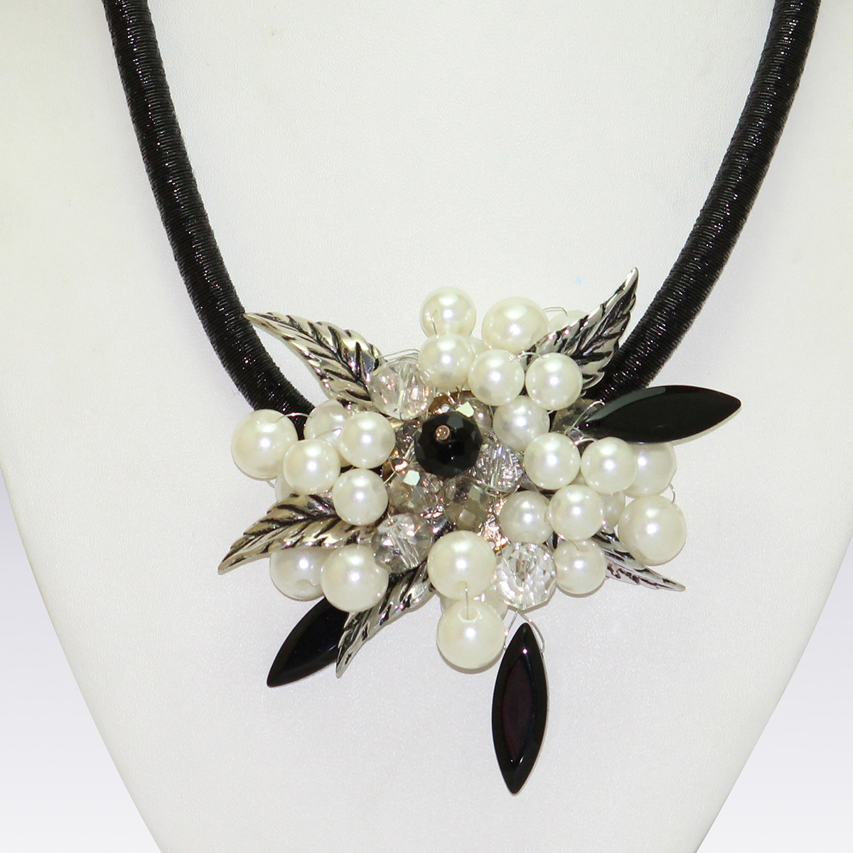 White And Black Colored Beeds And Stone Western Necklace