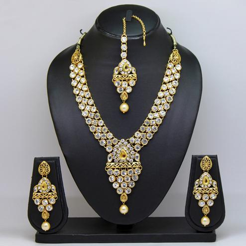 White Colored Imported Stone Necklace Set