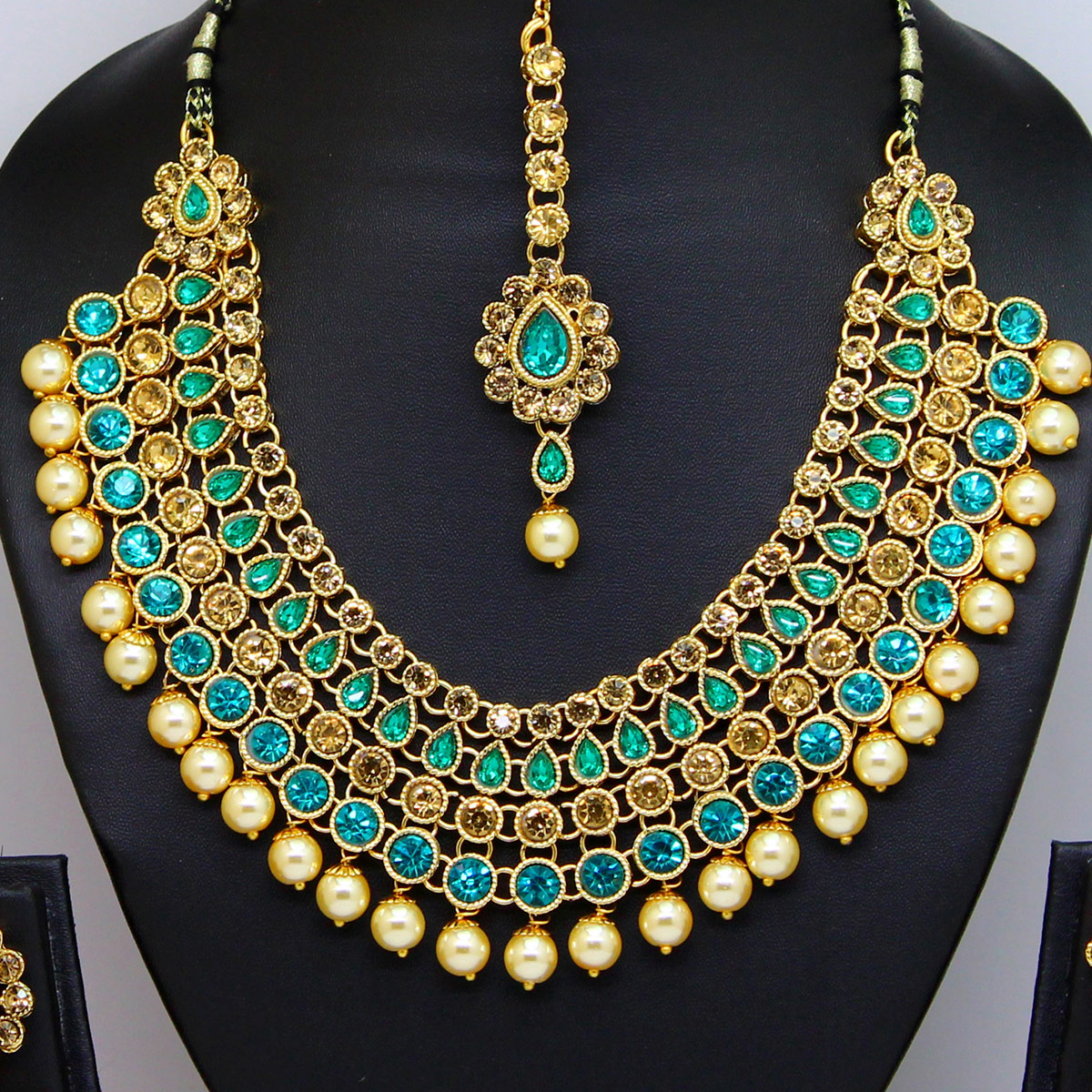 Teal Blue Colored Stone And Pearl Necklace Set