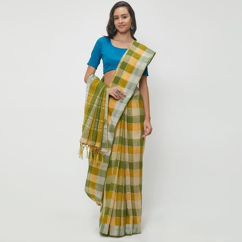 Opulent Green-Yellow Colored Casual Wear Linen Saree With 2 Blouse Pieces