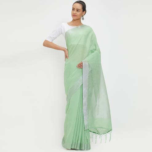 Unique Green Colored Casual Wear Linen Saree With 2 Blouse Pieces