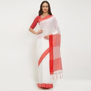 Observable White Colored Casual Wear Linen Saree With 2 Blouse Pieces