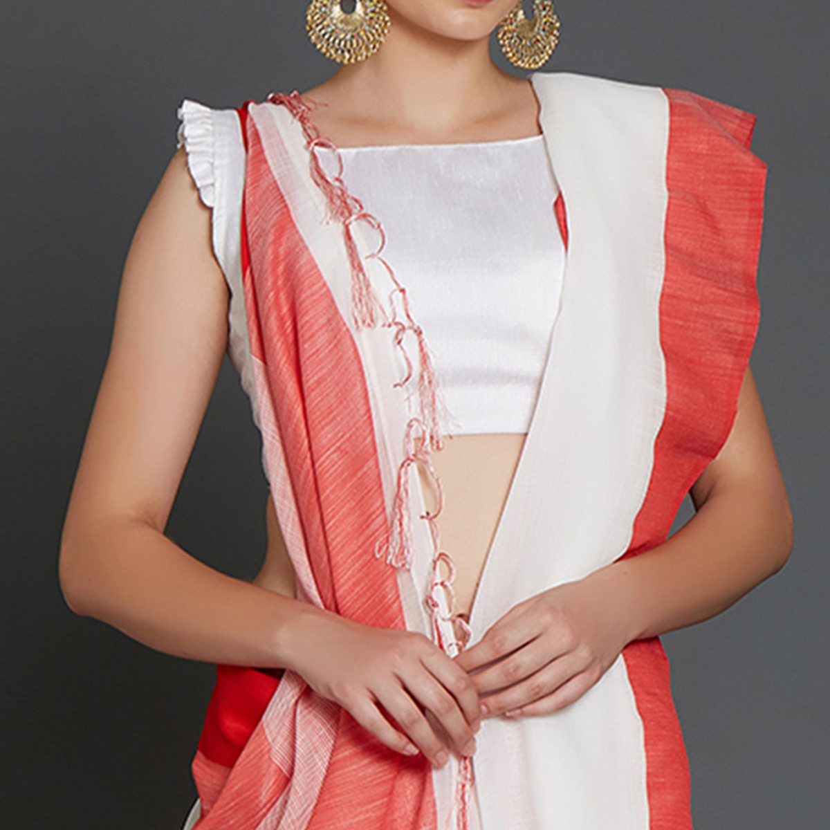 Staring White Colored Casual Wear Linen Saree With 2 Blouse Pieces