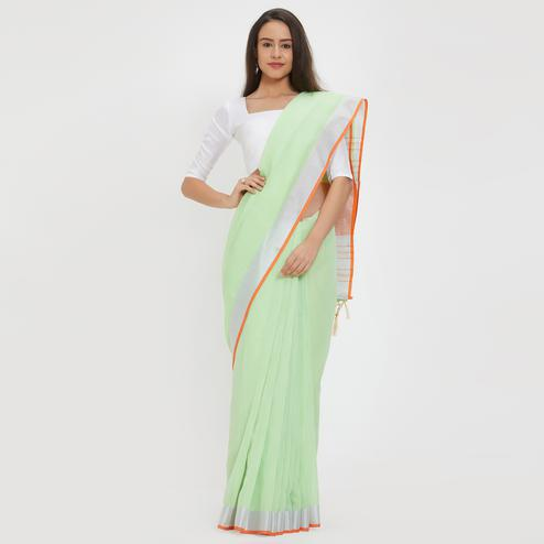 Gleaming Green Colored Casual Wear Linen Saree With 2 Blouse Pieces