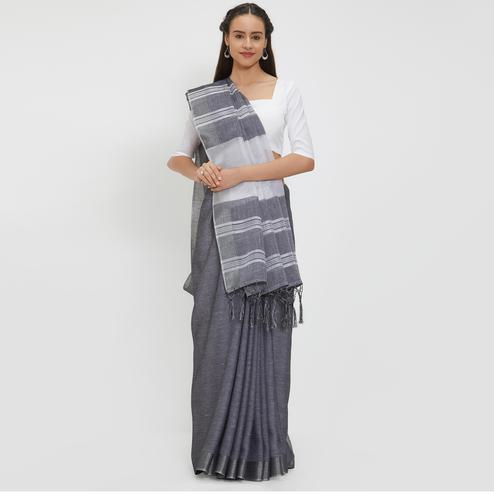 Dashing Dark Gray Colored Casual Wear Linen Saree With 2 Blouse Pieces