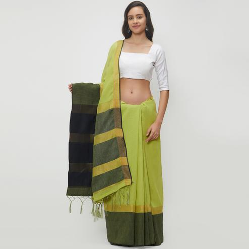 Vivid Green Colored Casual Wear Linen Saree With 2 Blouse Pieces