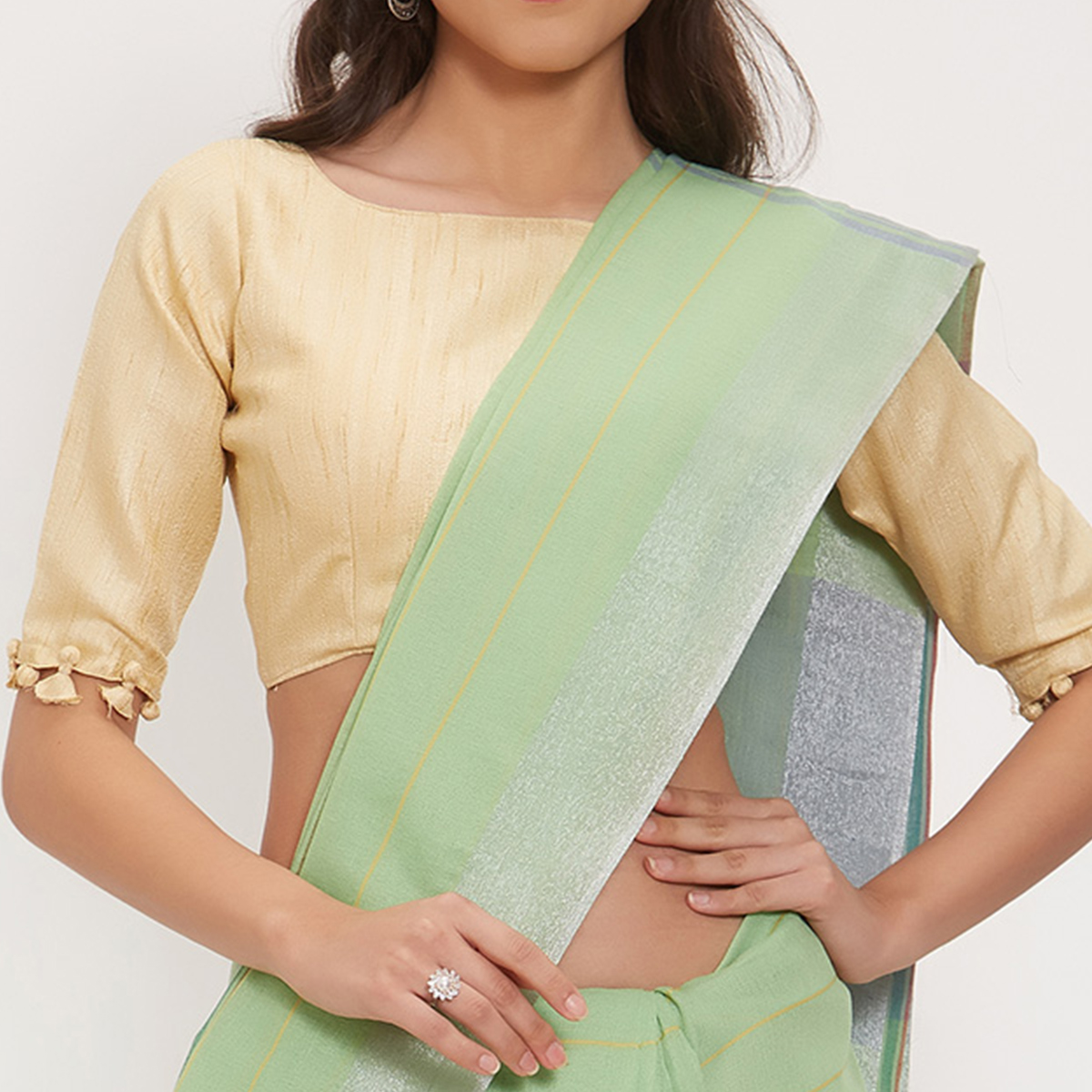 Aspiring Green Colored Casual Wear Linen Saree With 2 Blouse Pieces