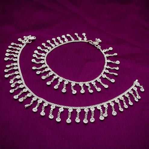 Lovely Silver Colored Mix Metal Anklet Set