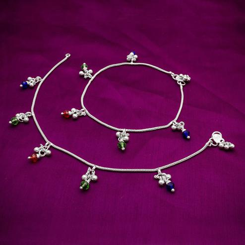 Imposing Silver Colored Mix Metal Anklet Set