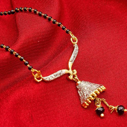 Glowing Golden Colored Mix Metal & Diamond Work Mangalsutra