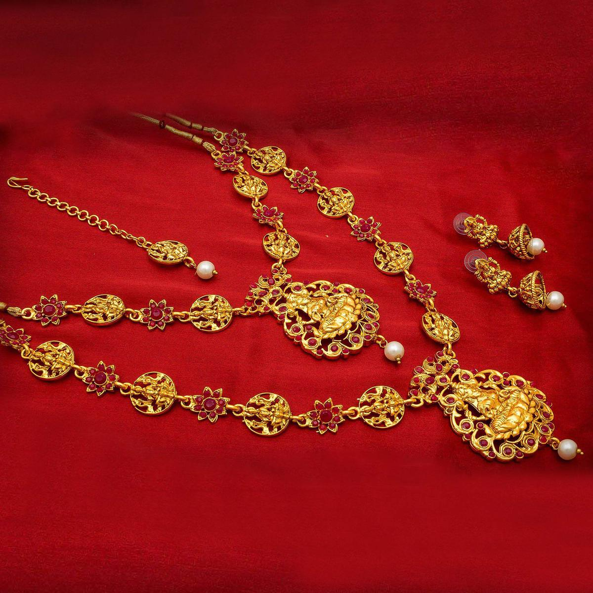 Attractive Golden Colored Mix Metal & Stone Work Double Necklace Set