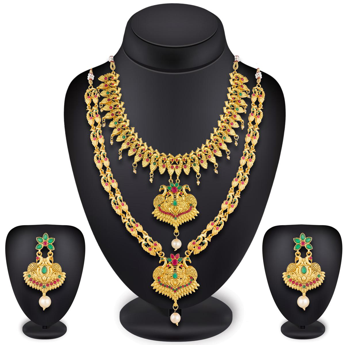 Sensational Golden Colored Mix Metal & Stone Work Necklace Set
