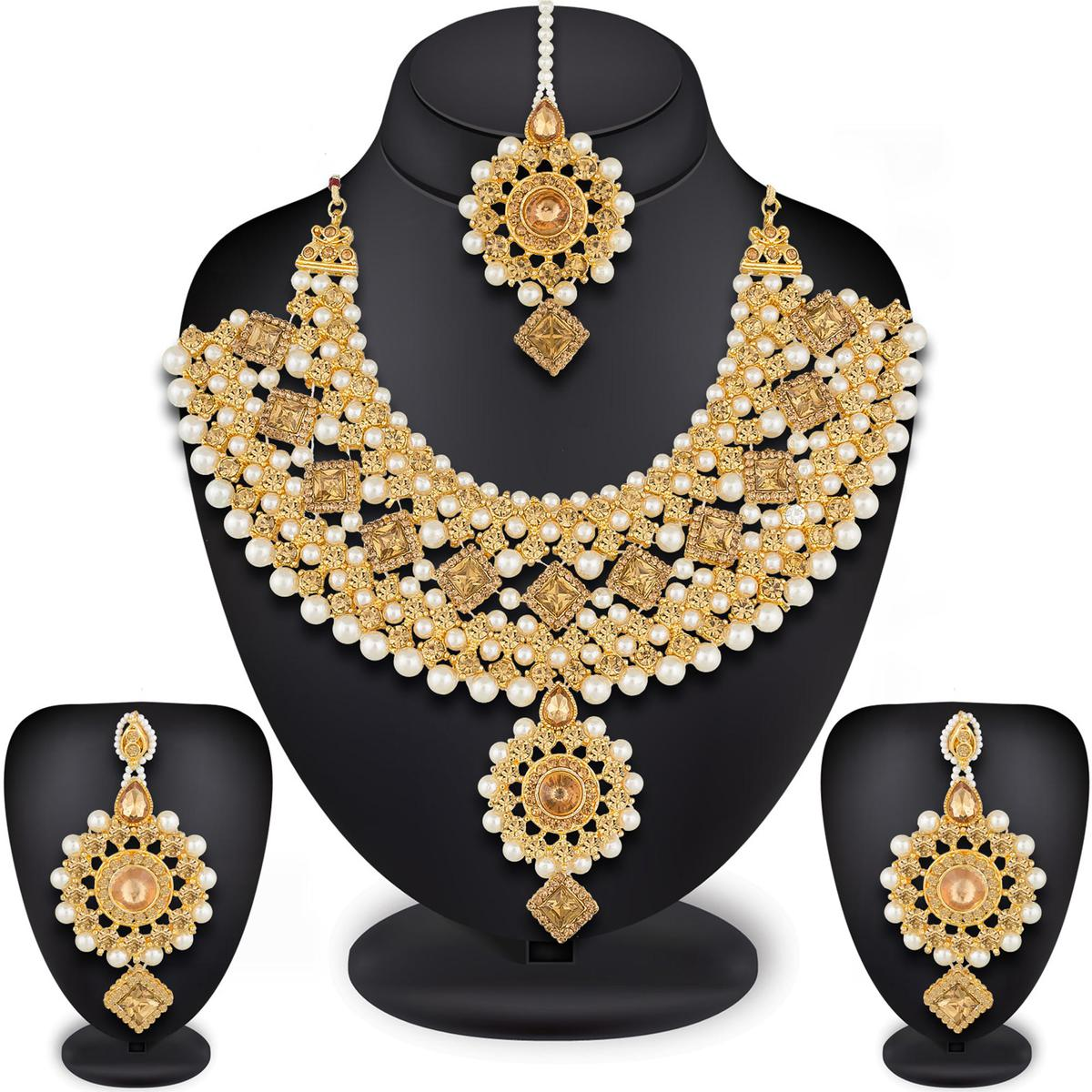 Flattering Golden Colored Mix Metal & Stone Work Necklace Set