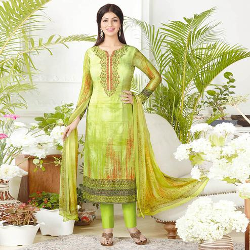 Refreshing Green Colored Casual Printed Pure Cotton Suit
