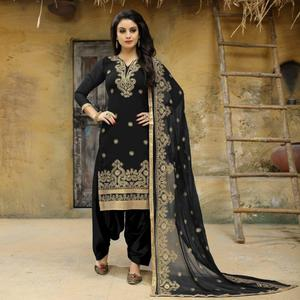 Intricate Black Colored Party Wear Embroidered Faux Georgette Salwar Suit