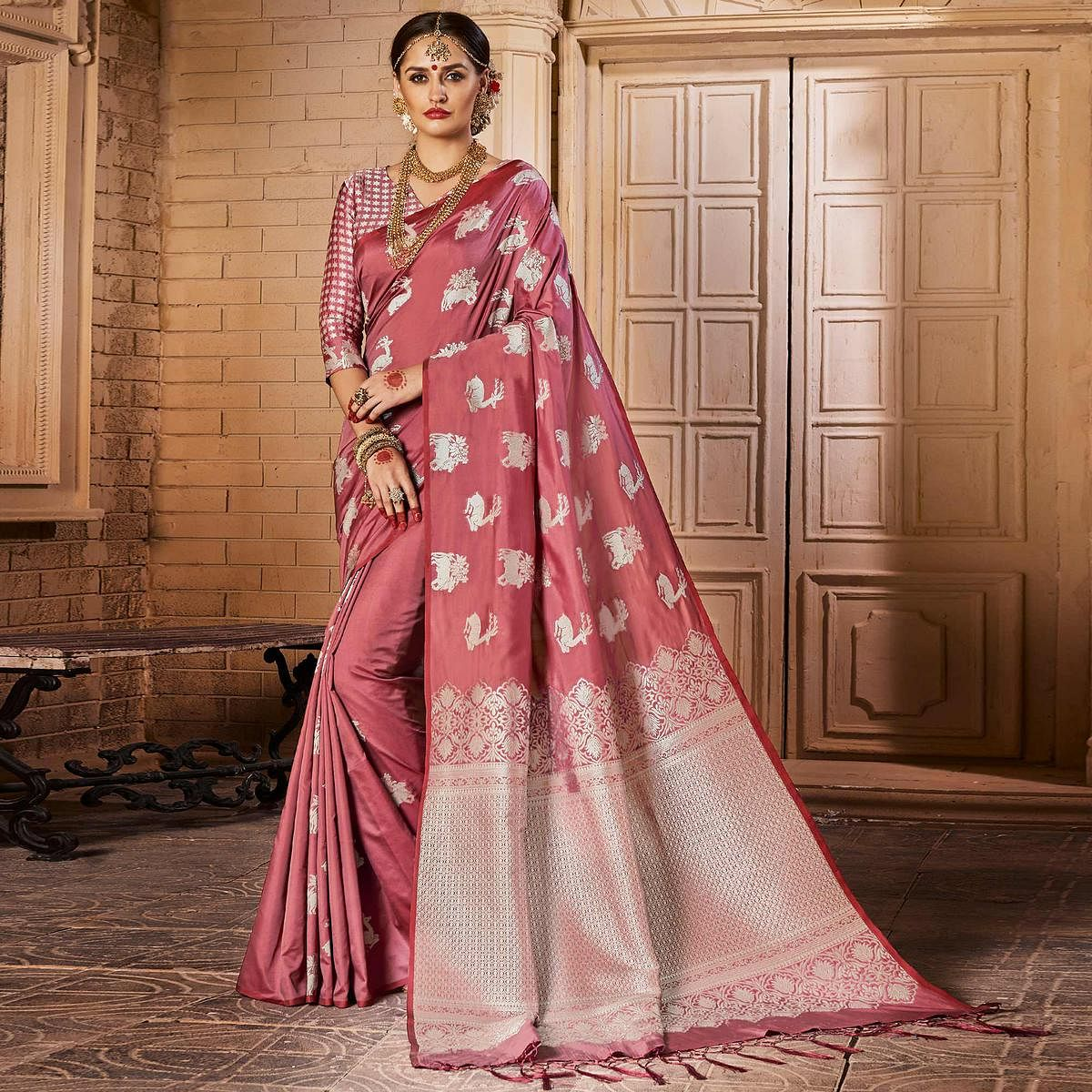 Trendy Rose Pink Colored Festive Wear Woven Silk Saree