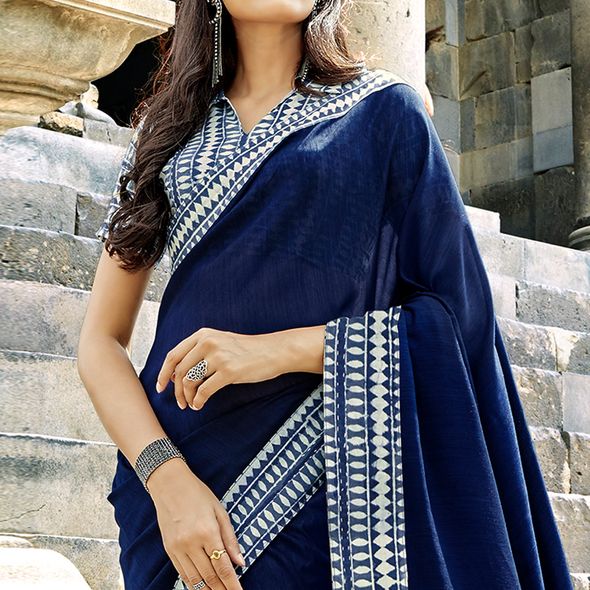 Blooming Navy Blue Colored Casual Printed Chanderi Silk Saree
