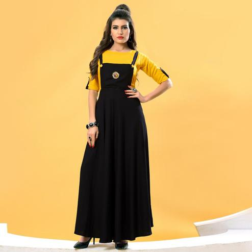 Flaunt Black-Yellow Colored Partywear Fancy Heavy Rayon Long Kurti