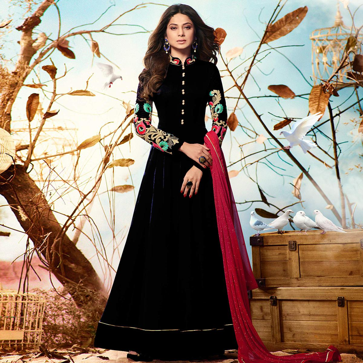 Demanding Black Colored Party Wear Embroidered Georgette Anarkali Suit