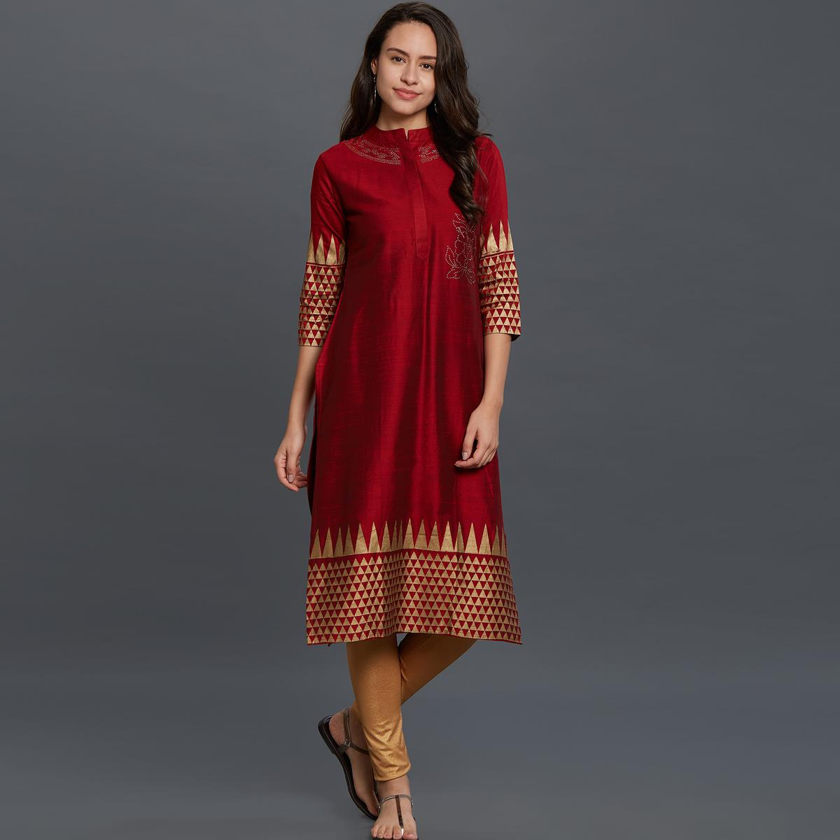 Elegant Maroon Colored Festive Wear Printed Cotton Kurti