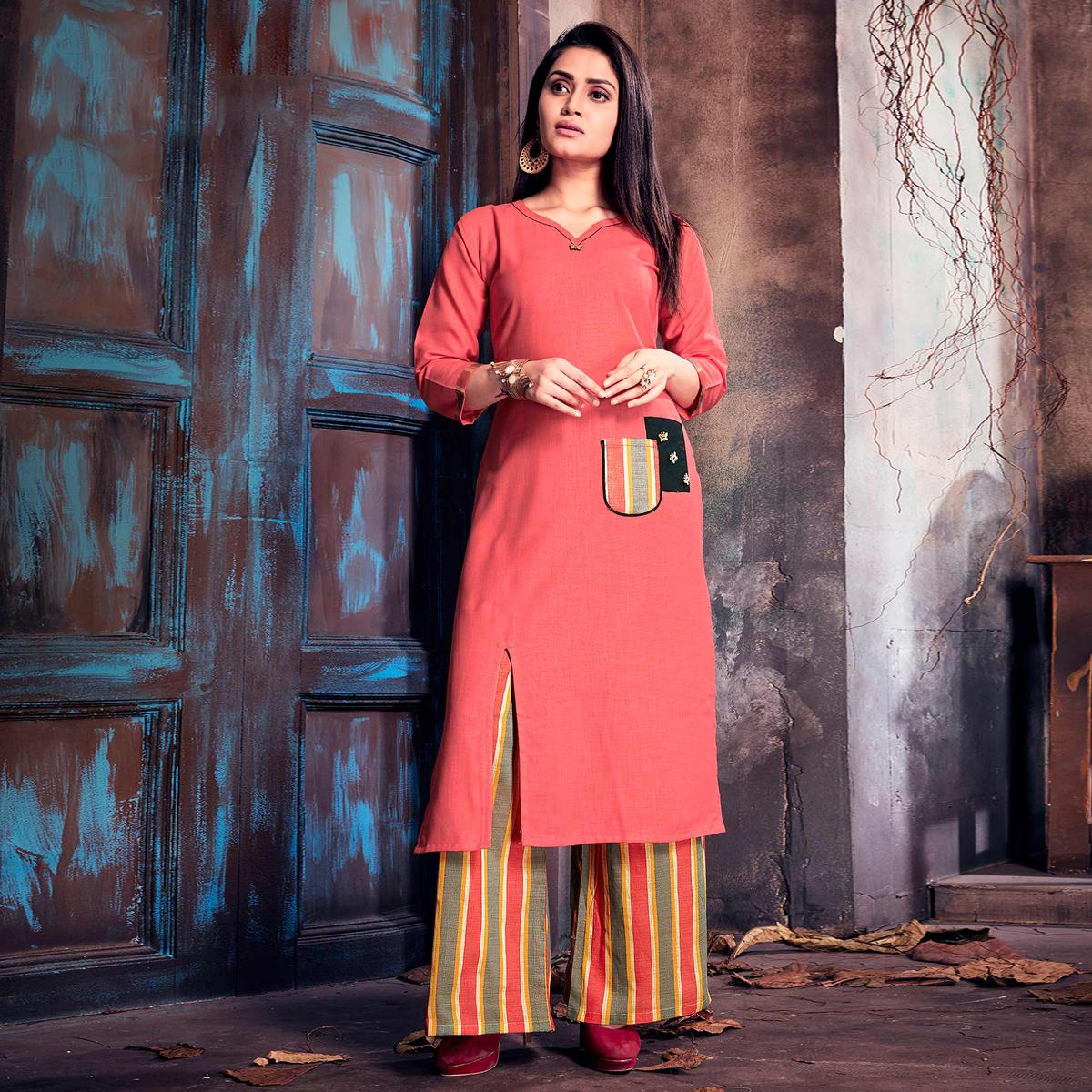 Eye-Catching Pink Colored Casual Printed Cotton Palazzo Suit