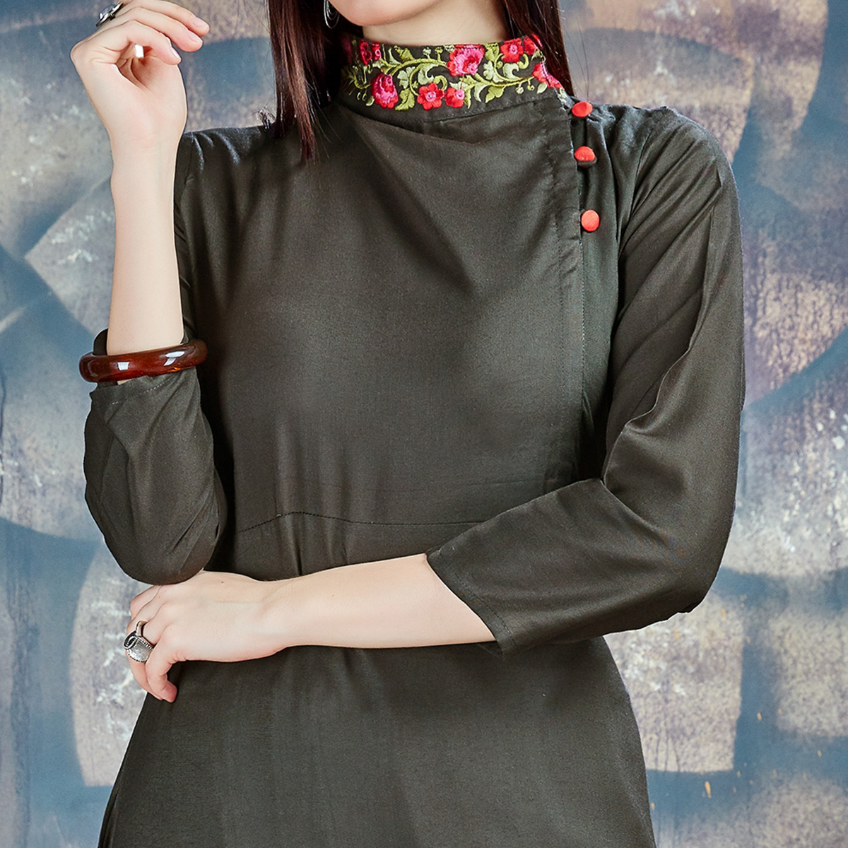 Sizzling Mehendi Green Colored Casual Embroidered Rayon Kurti