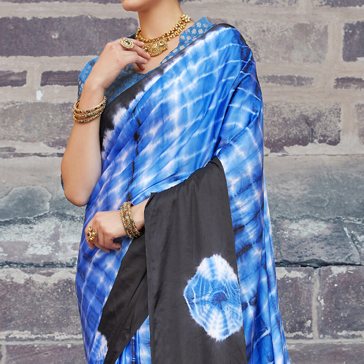 Demanding Blue - Black Colored Casual Wear Printed Nylon Satin Saree