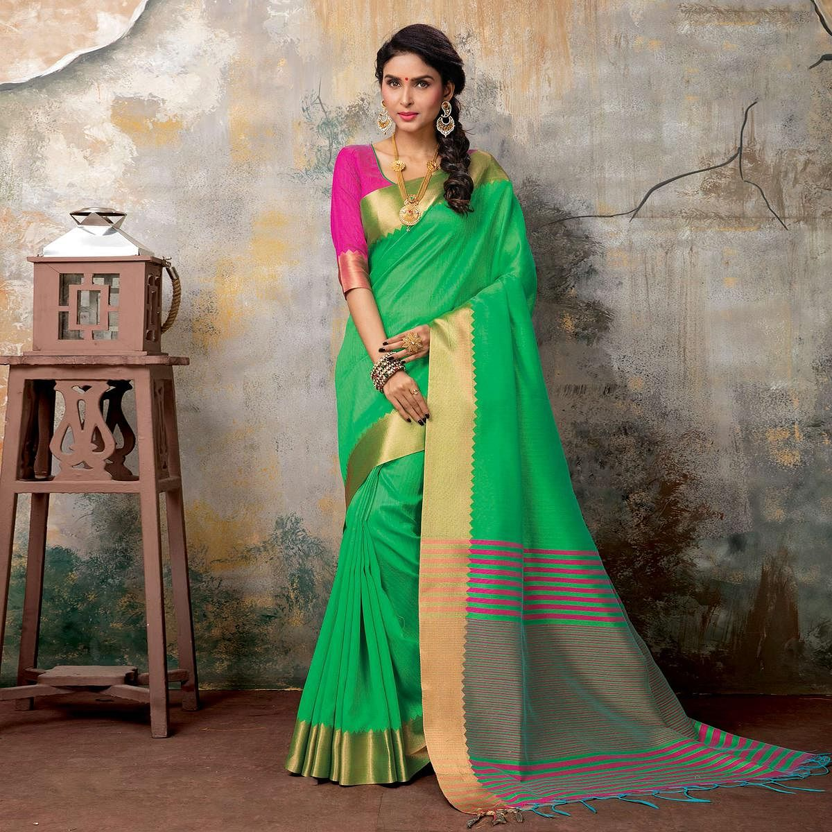 Attractive Green Festive Wear Woven Sambalpuri Saree